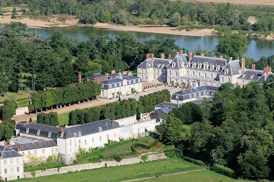 http://virnot-de-lamissart.com/Site%20VIRNOT/chateau-menars-240040.jpg